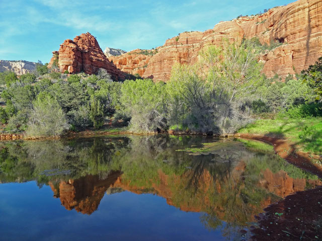 Sedona Pink Jeep Tour Scenery Lake